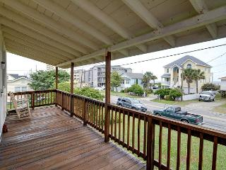 Doug's Den -  Take in gorgeous sunrises from decks of this ocean beach home, Carolina Beach