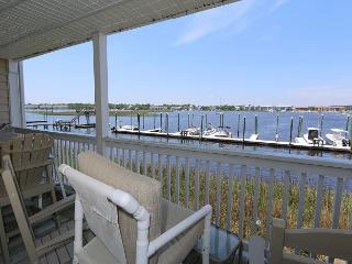 Captain's Quarters #6 - Three bedroom sound front townhome with boat slip!, Carolina Beach