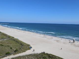 Station One-8C Surf Watch-Oceanfront condo with community pool, tennis, beach, Wrightsville Beach