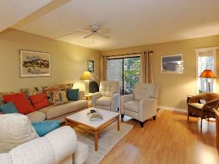 SailMaster 37, 2 Bedrooms, Pool, Patio, Sleeps 6, Hilton Head