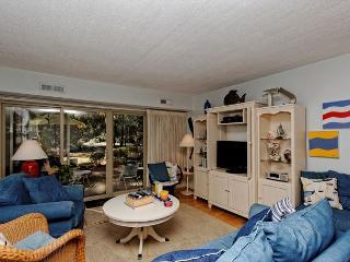 Bluff Villas 1657, Ground Floor 2 Bedrooms, Pool, Sea Pines, Hilton Head