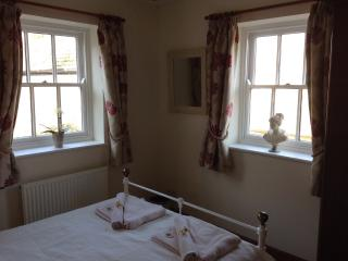 Dual aspect from double room.