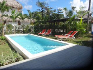Splendid new villa (4 bedrooms) near beach/center