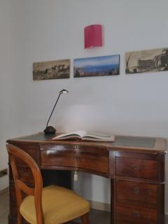 Bedroon and desk detail