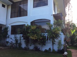 Summer Breeze Luxury Vacation Rental, Boracay