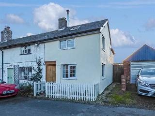 MARIGOLD COTTAGE, woodburner, WiFi, pets welcome, romantic cottage in Clun, Ref. 919803