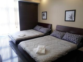 Condo Studio for 4 near SM Megamall/ Shangri-La Mall