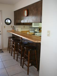 Breakfast Bar seating with 4 additional bar stools