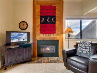 Contemporary ski lodging w/shared pool, hot tub, sauna! 5-min. walk to chairlift, Park City