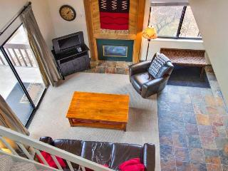 Contemporary ski lodging w/shared pool, hot tub, sauna! 5-min. walk to chairlift