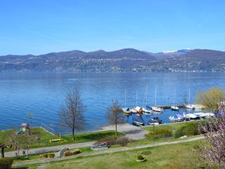 Lakefront holiday apartment, Ispra, Lago Maggiore