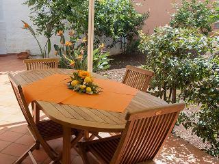 La Casa di Vanny apartment with veranda and garden, Polignano a Mare