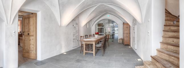 Frühstücksraum mit Gewölbe aus dem 17. Jhd.