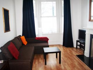 Spacious 1 bed flat in Chiswick, London
