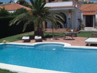 Near Duquesa Villa private pool & sea views., Puerto de la Duquesa