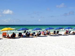 'Island Sands Unit 103' or 'Island Dreamer', Ground Floor, Beach Front, Sleeps 6!!, Fort Walton Beach