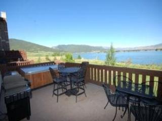 Lake Front Huntsville Condo | Luxury 4 Bedroom | Lakeside Unit 58