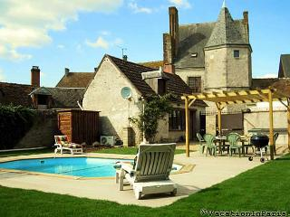 Manor House in the Loire Valley w/ Pool!- ID# 315, Auteuil