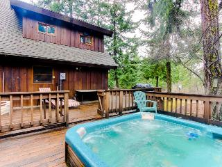 Secluded, waterfront home with a private hot tub & lodge-like interior - Dogs OK