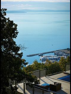 Luxury villa with pool near Omis - sea view