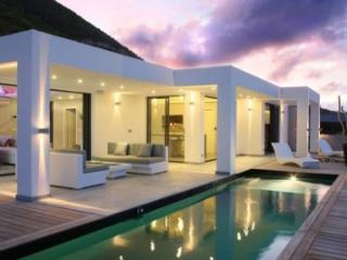 Sensational 2 Bedroom Villa in Mont Vernon, St. Maarten