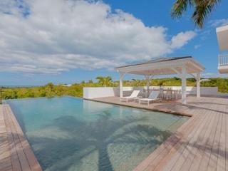 Large 6 Bedroom Villa in Terres Basses, Terres bassi