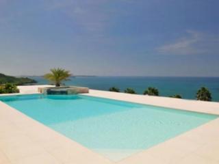 Extraordinary 4 Bedroom Villa in Happy Bay, La Savane