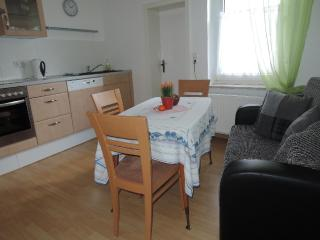 Vacation Apartment in Hoexter - 431 sqft, quiet, central, modern (# 4761), Höxter