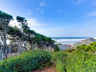 Oceanfront home two blocks from beach with outdoor firepit!