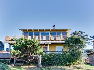 Ground-level beachside cottage with shared hot tub and dog-friendly attitude!