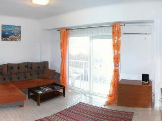 Nice flat at Plaza del Sol with WiFi, Alicante