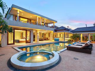 J VILLA  4 bedroom, Canggu