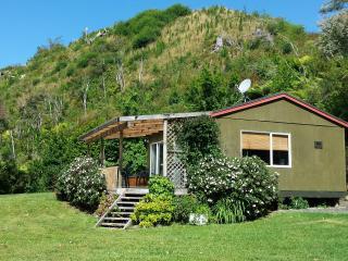 Pinehaven Riverside Cottage, Katikati
