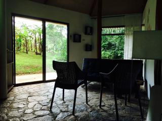 Cosy Eco Lodge near the Lake, Tilaran