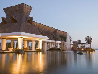 The Grand Mayan Acapulco