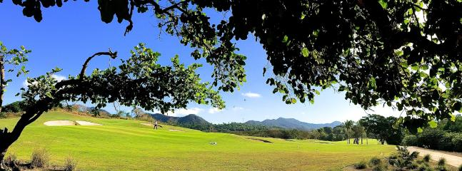 Just 5 minutes away, a signature Greg Norman golf course...18th hole!