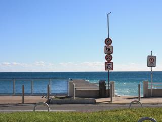 ROYAL BEACH FRONT DE MER