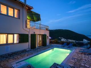 Villa Dessimi, Corinto