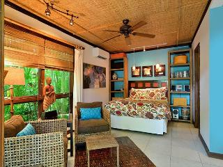 Bali Hideaway: A studio cottage that's perfect for two