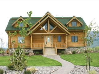 "Wolf River Ranch is luxurious 10"" log cabin on the World Famous Henry's Lake., Island Park"
