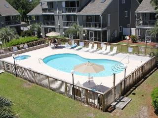 Golf Colony Resort Newly Remodled great ground floor beach getaway! -31I, Surfside Beach