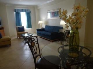 On Hollywood Beach  - Affordable One Bedrooms Sleeps 6 with Two Bathrooms