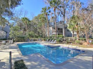 8006 Treetops, Newly Renovated Villa, Walk to Beach, Free Bikes, Tennis, Pool