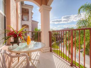 Experience Pure Relaxation in Luxury near the Vista Cay Clubhouse and Pool, Orlando