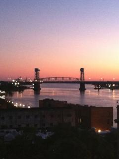 Downtown Wilmington just 25 mins away