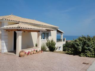 Gem Rosa 3 bedroom villa with a lovely sea-view