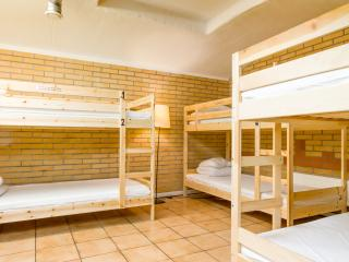 1bed in shared room for6, Stockholm Central hostel, Estocolmo