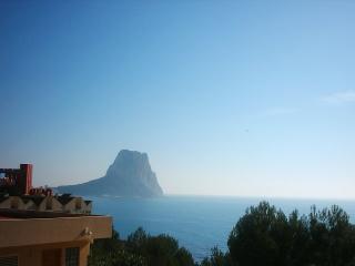 duplex  vistas al mar piscina  montana penon de if