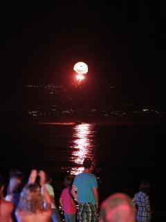 dassia  istory  night  show  on  the  beach