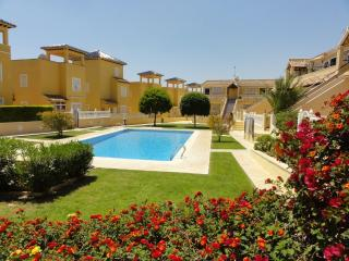 2bedroom sleeps6 AC WIFI 9pools seaview beach golf, Villamartin
